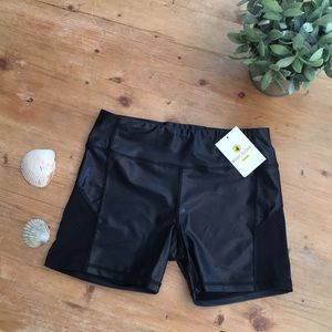NWT Body Glove work out shorts